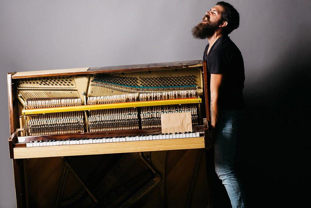 Piano-Moving